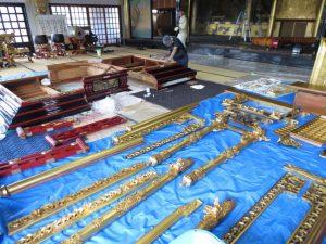 寺院内施工の様子